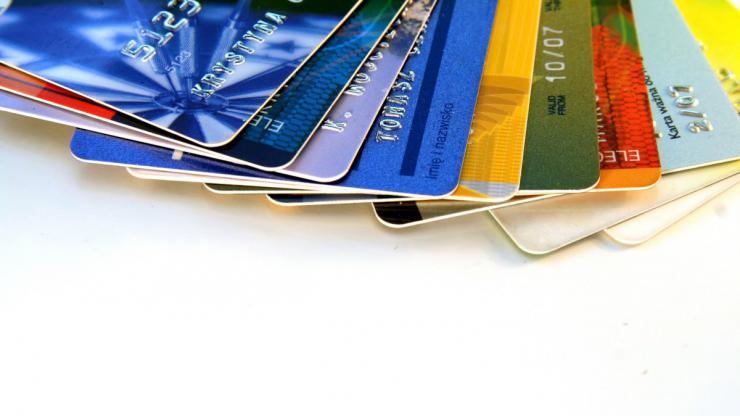 Carte Bancaire Auchan Gratuite.Pourquoi Prendre Une Carte Bancaire Chez Carrefour Casino