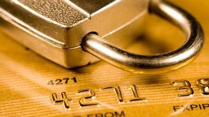carte bancaire et cadenas