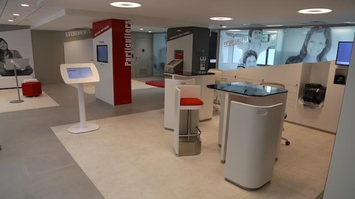 """L'agence Caisse d'Epargne """"Nouvelle Définition"""" dans le quartier de Monplaisir à Lyon"""