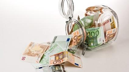 Euros dans un bocal