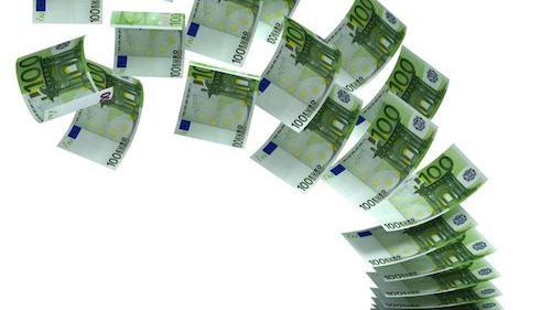 Billets en euros s'envolant