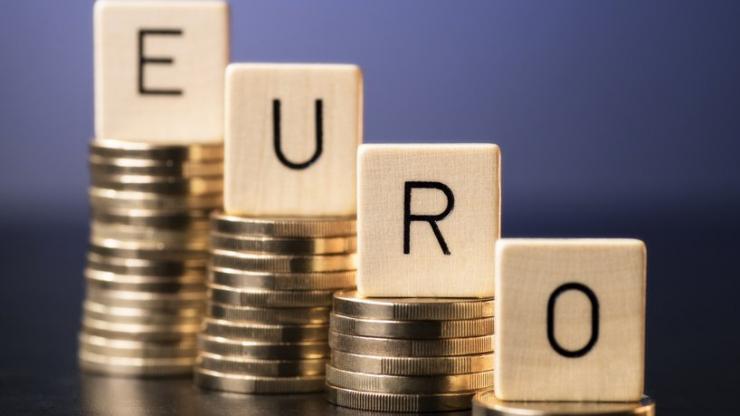 Une baisse de l'euro illustrée avec des pièces