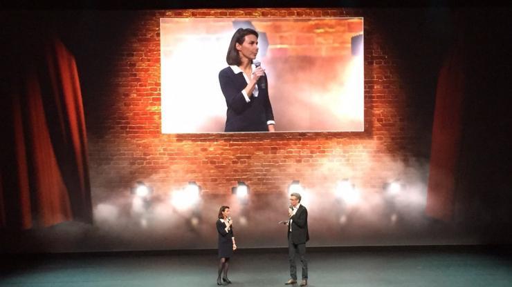 Sophie Heller sur la scène de l'Olympia, le 26 novembre 2015