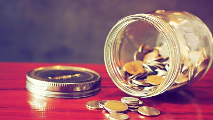 De l'argent dans un bocal