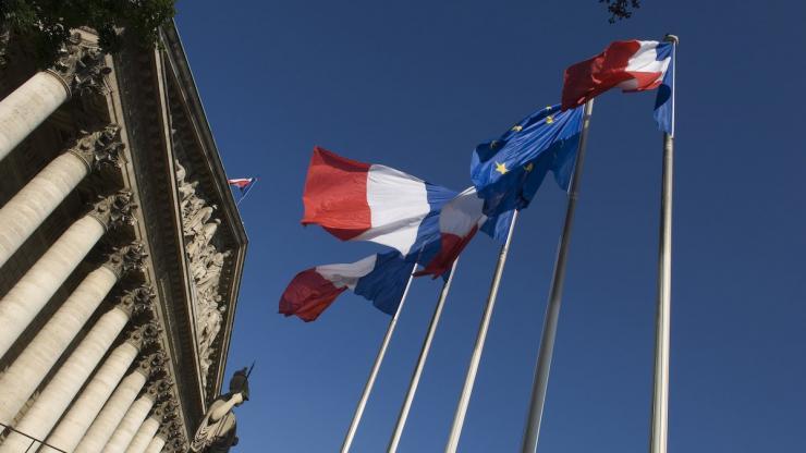 Les drapeaux à l'Assemblée nationale