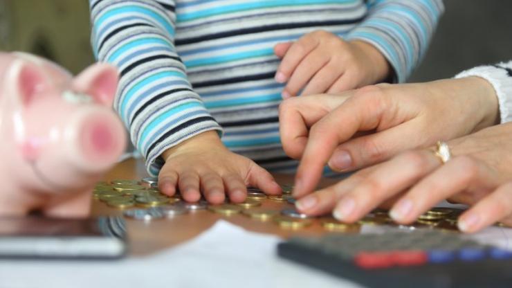 Garde D Enfant Pourquoi Certains Menages Non Imposables Devront