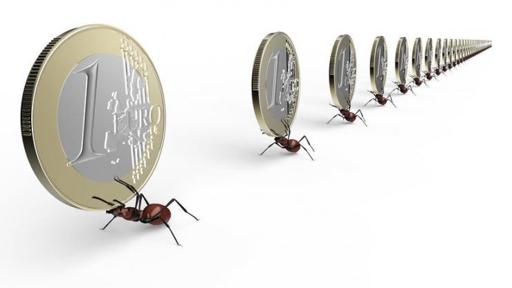 Des fourmis et des pièces