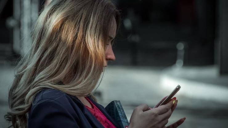 La Caisse D Epargne Mise Sur Les Jeux Sur Mobile Pour Vendre Son