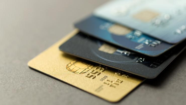 3ef7bf02116ac ... a dévoilé lundi une gamme de cartes de paiement biométriques  fonctionnant par reconnaissance d'empreinte digitale, qui devrait arriver  sur le ...