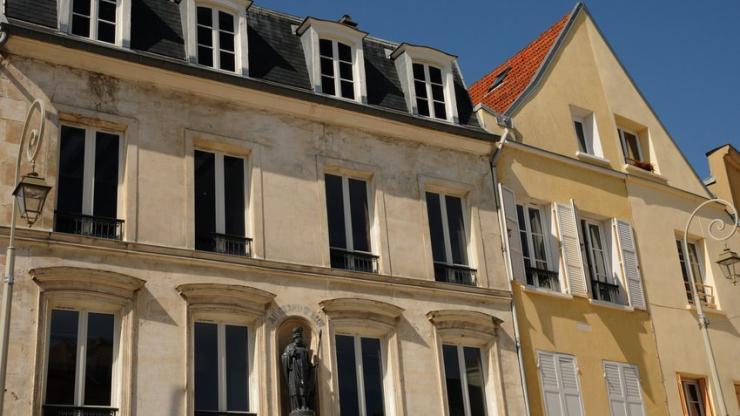 crdit immobilier les taux fixes la franaise sont ils sauvs. Black Bedroom Furniture Sets. Home Design Ideas