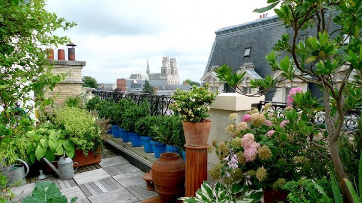 Une terrasse d'immeuble