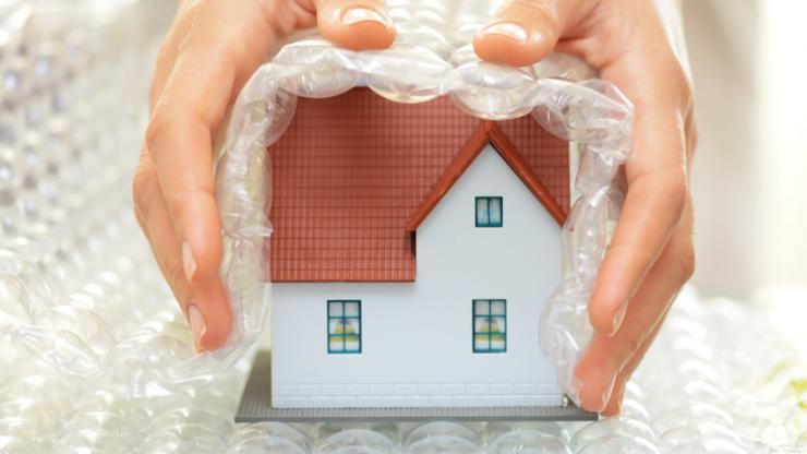 Une maison et une protection