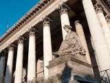 La Bourse de Paris se décide à rattraper le terrain perdu (+1,06%)