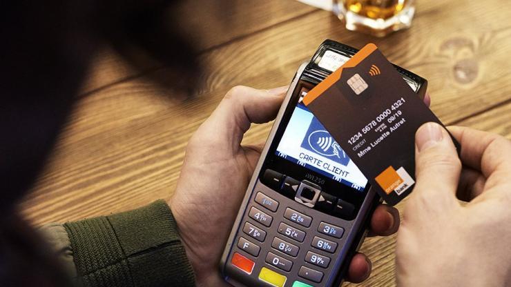 Paiement par carte bancaire sans contact avec Orange Bank