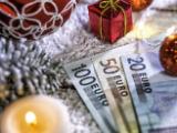 Argent liquide et décoration de Noël