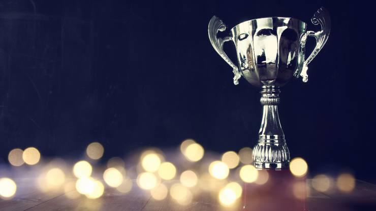 Un trophée sur fond noir