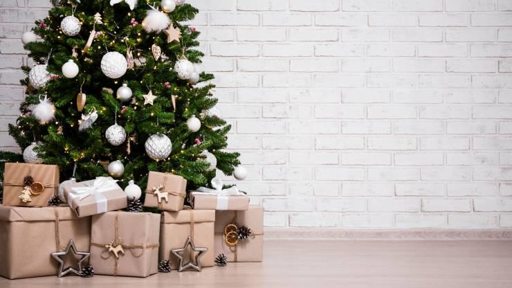 Cadeaux et sapin de Noël