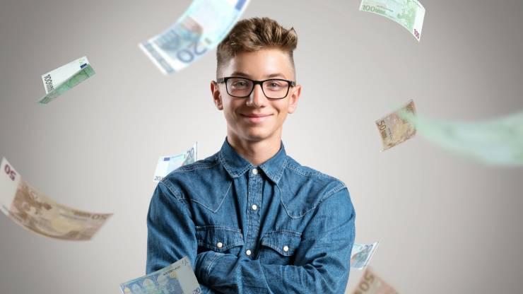 Un jeune épargnant heureux