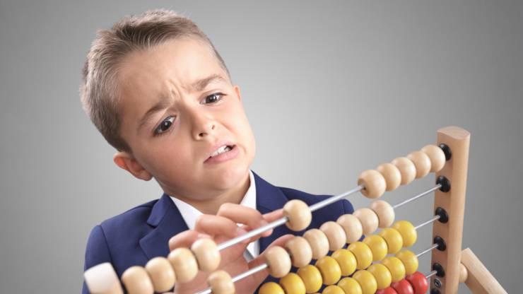 Enfant qui calcule