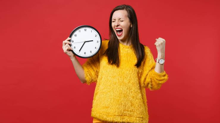 Femme et horloge