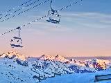 Remontée mécanique vide au ski